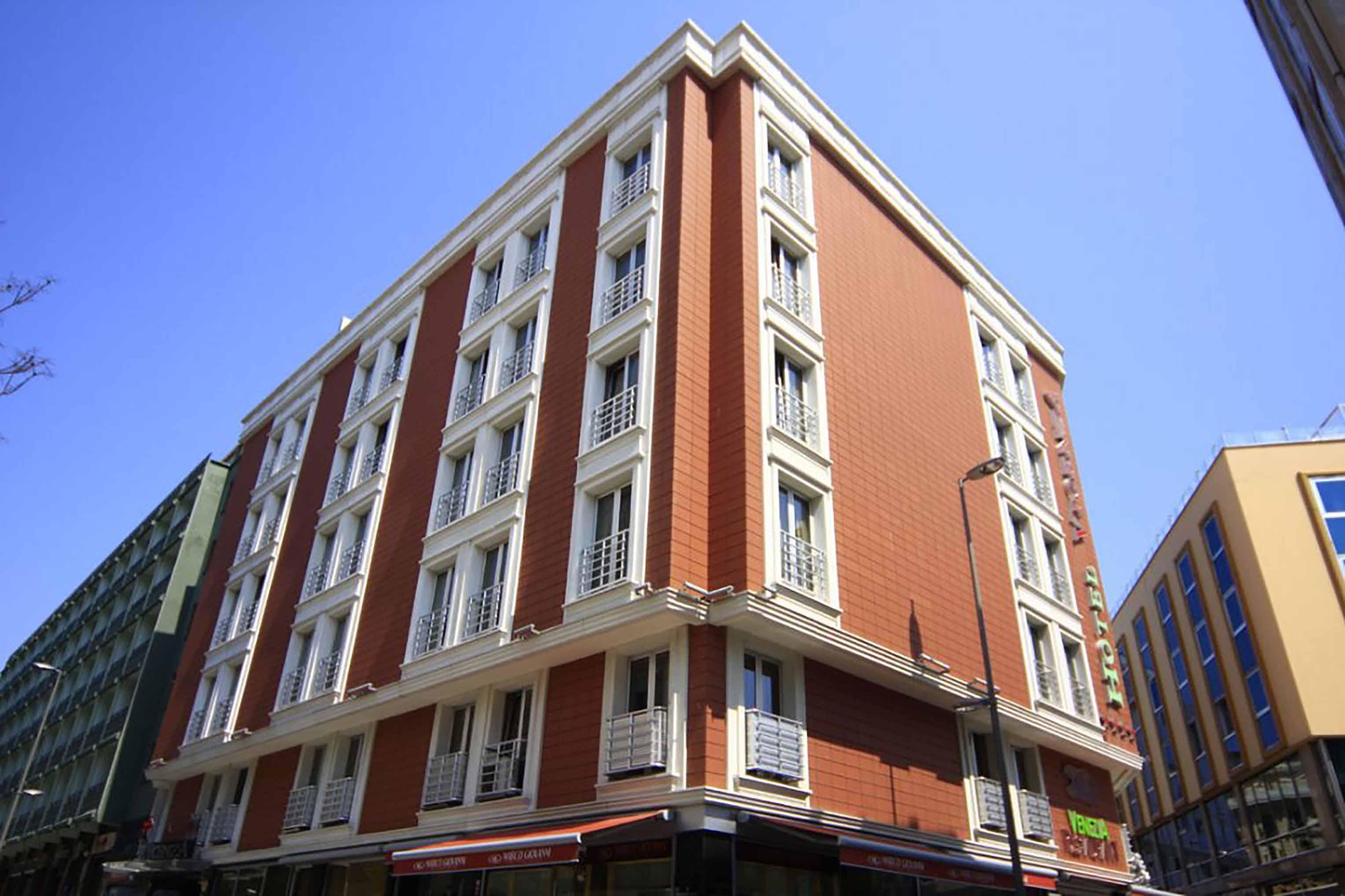 Fibrobeton Hotel Vicenza, Fatih