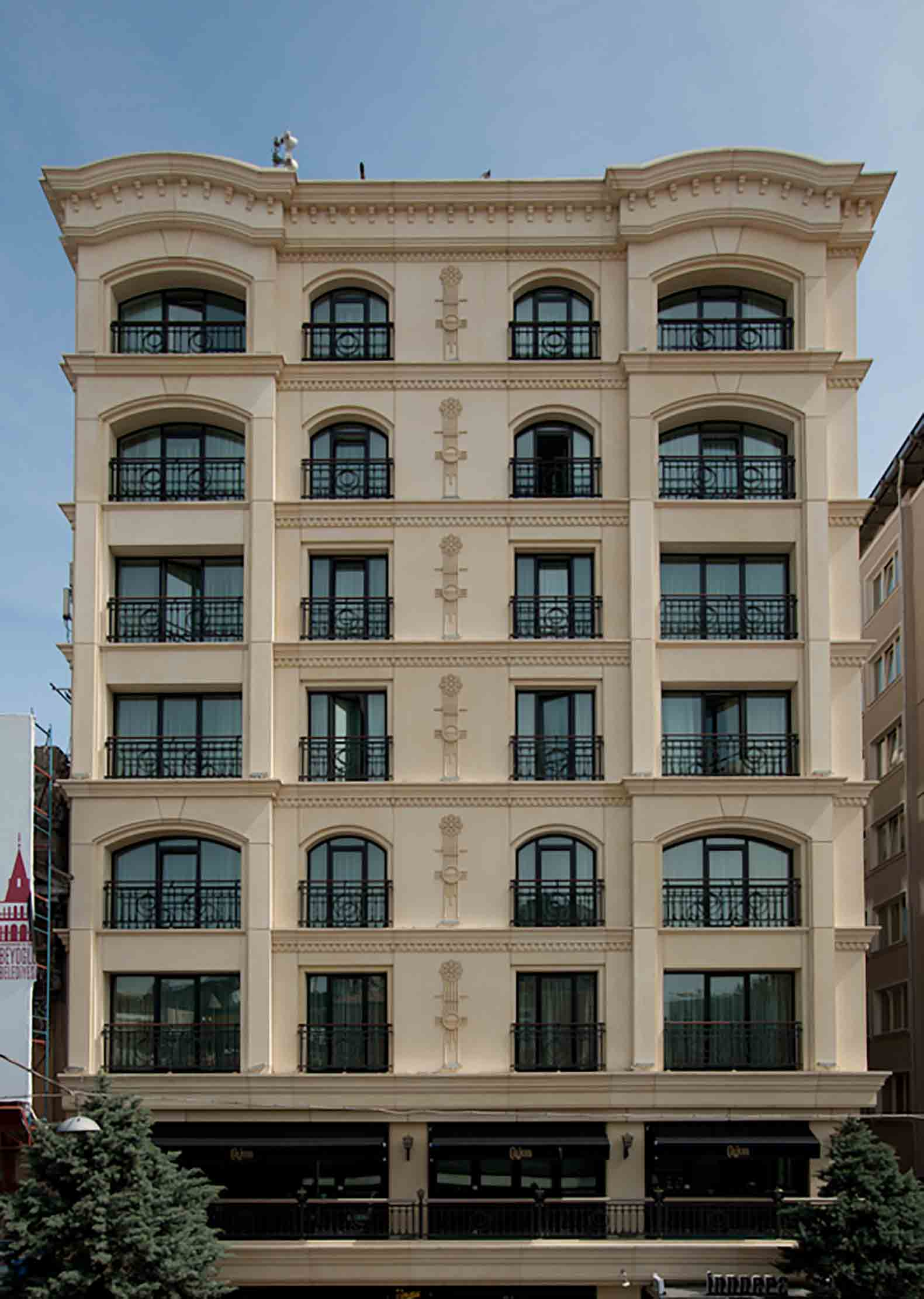 Fibrobeton Inpera Hotel