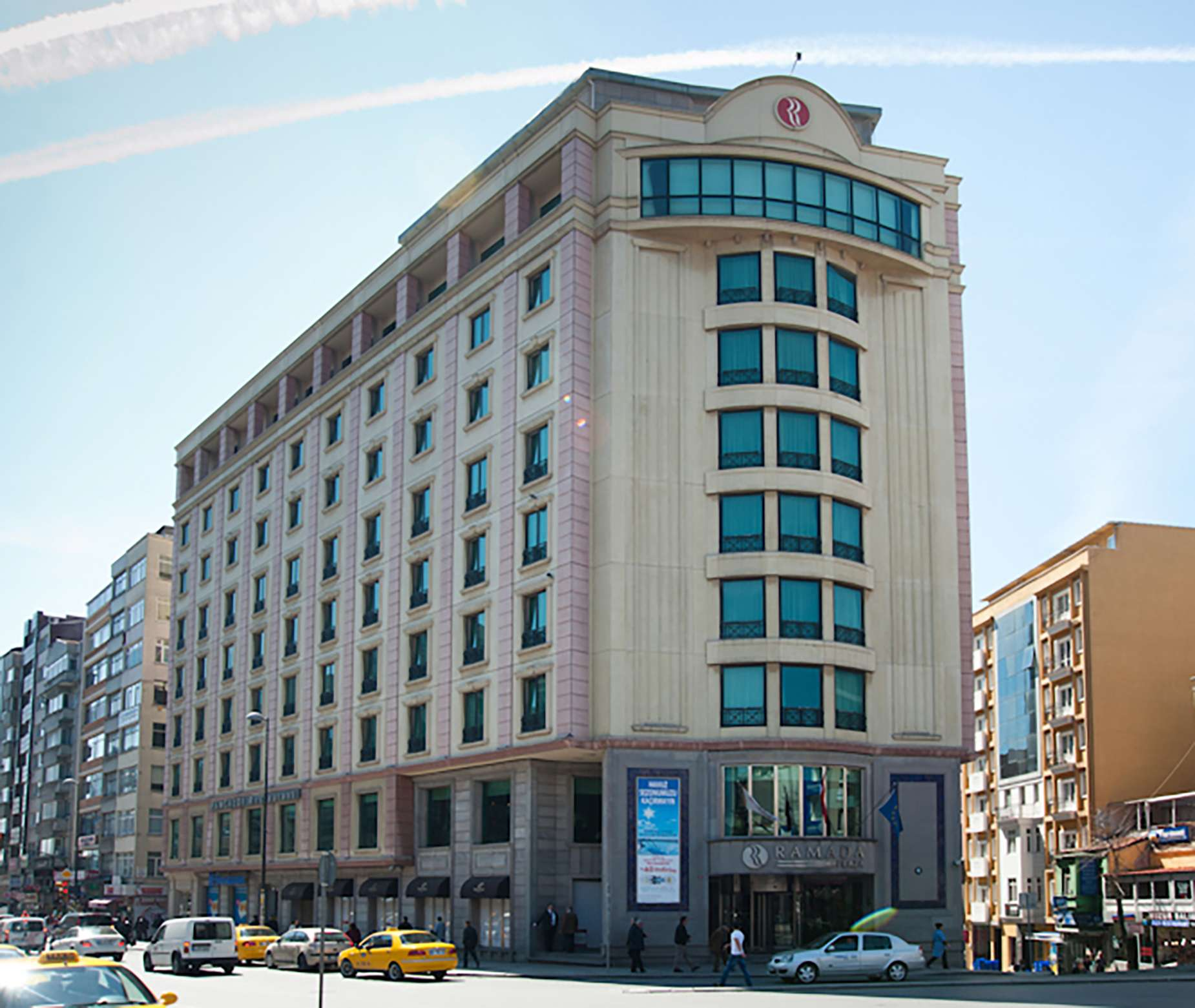 Fibrobeton Ramada Hotel, Pangaltı