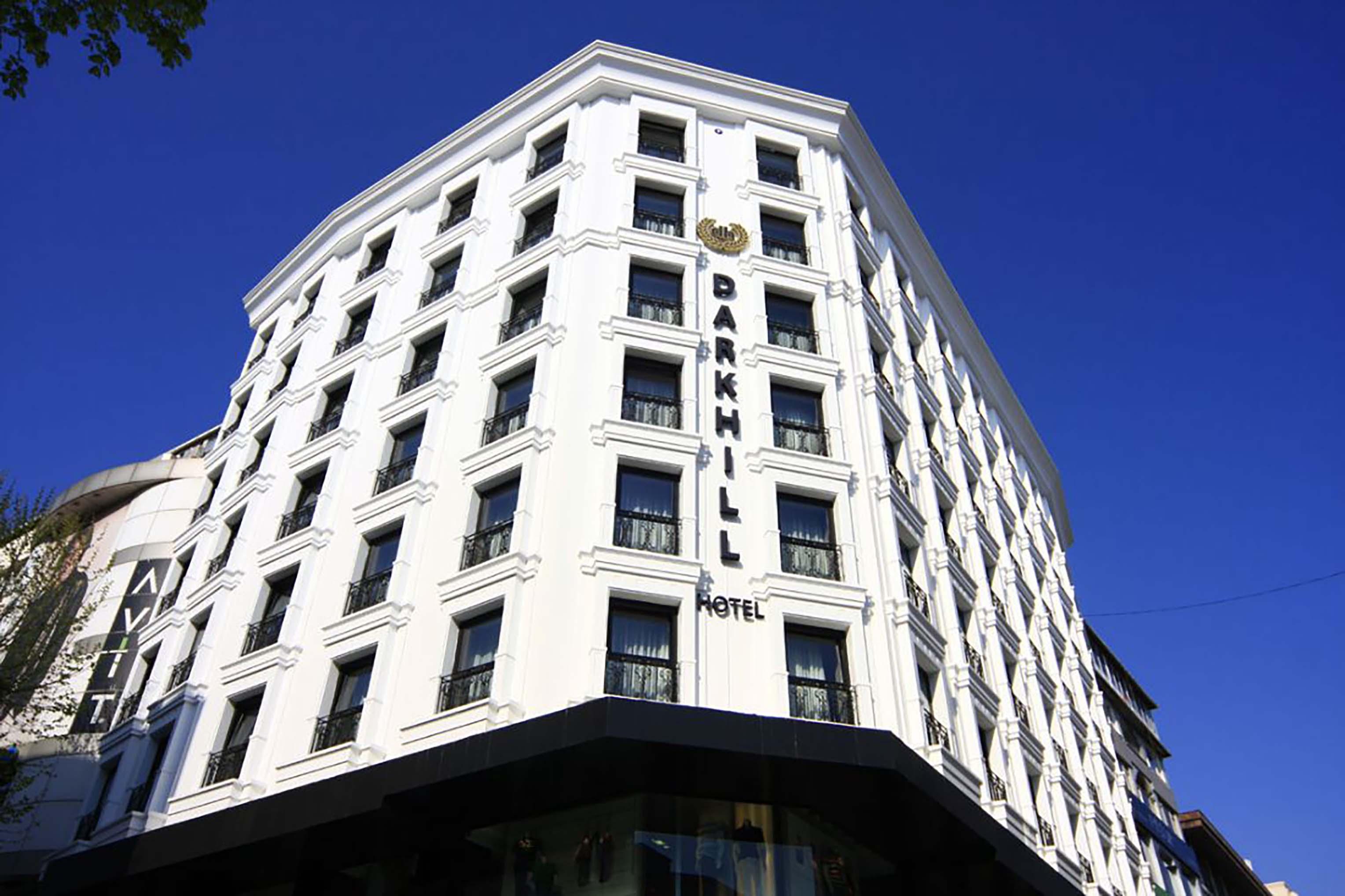 Fibrobeton Dark Hill Hotel