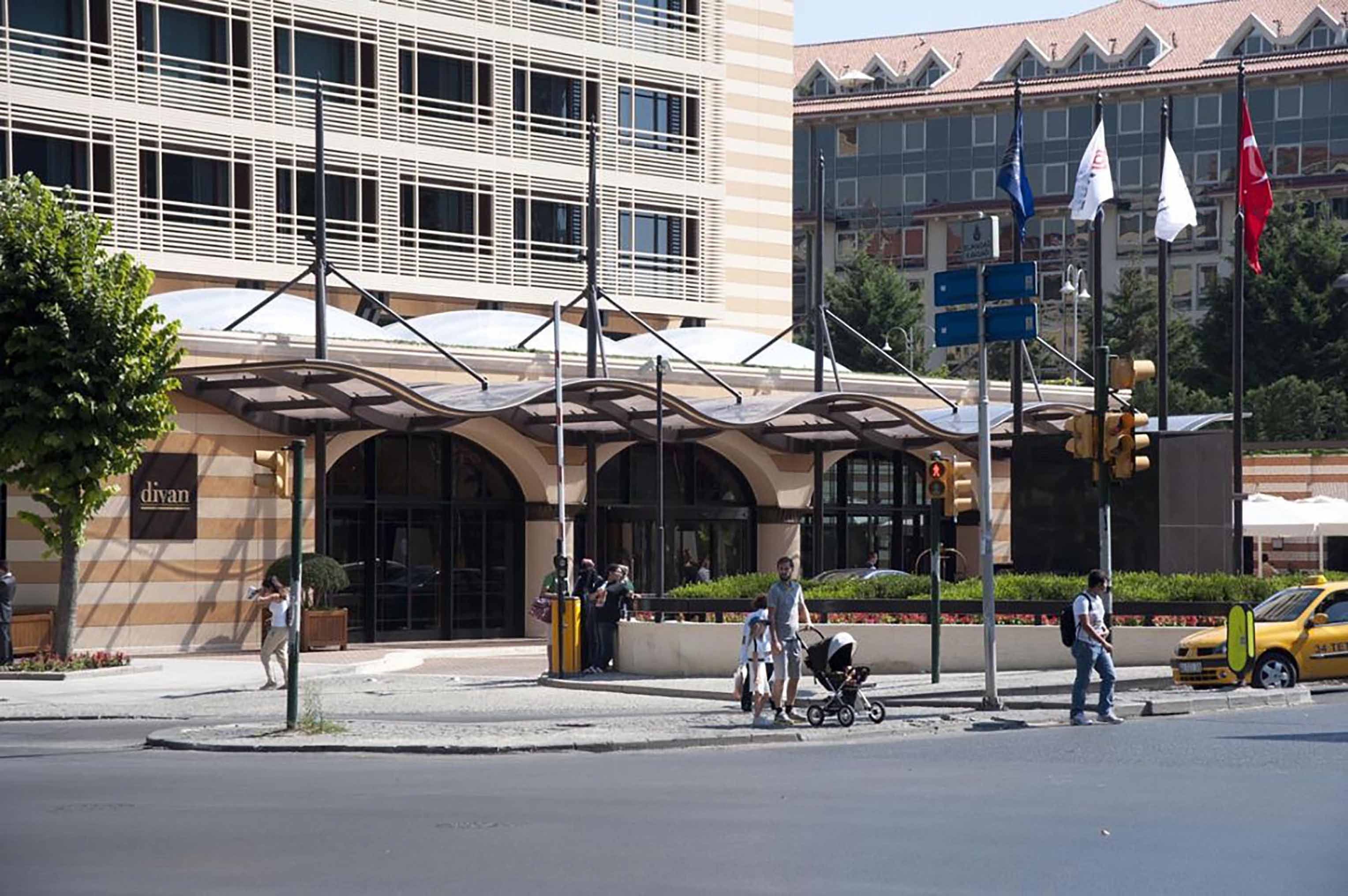 Fibrobeton Divan Otel, Taksim