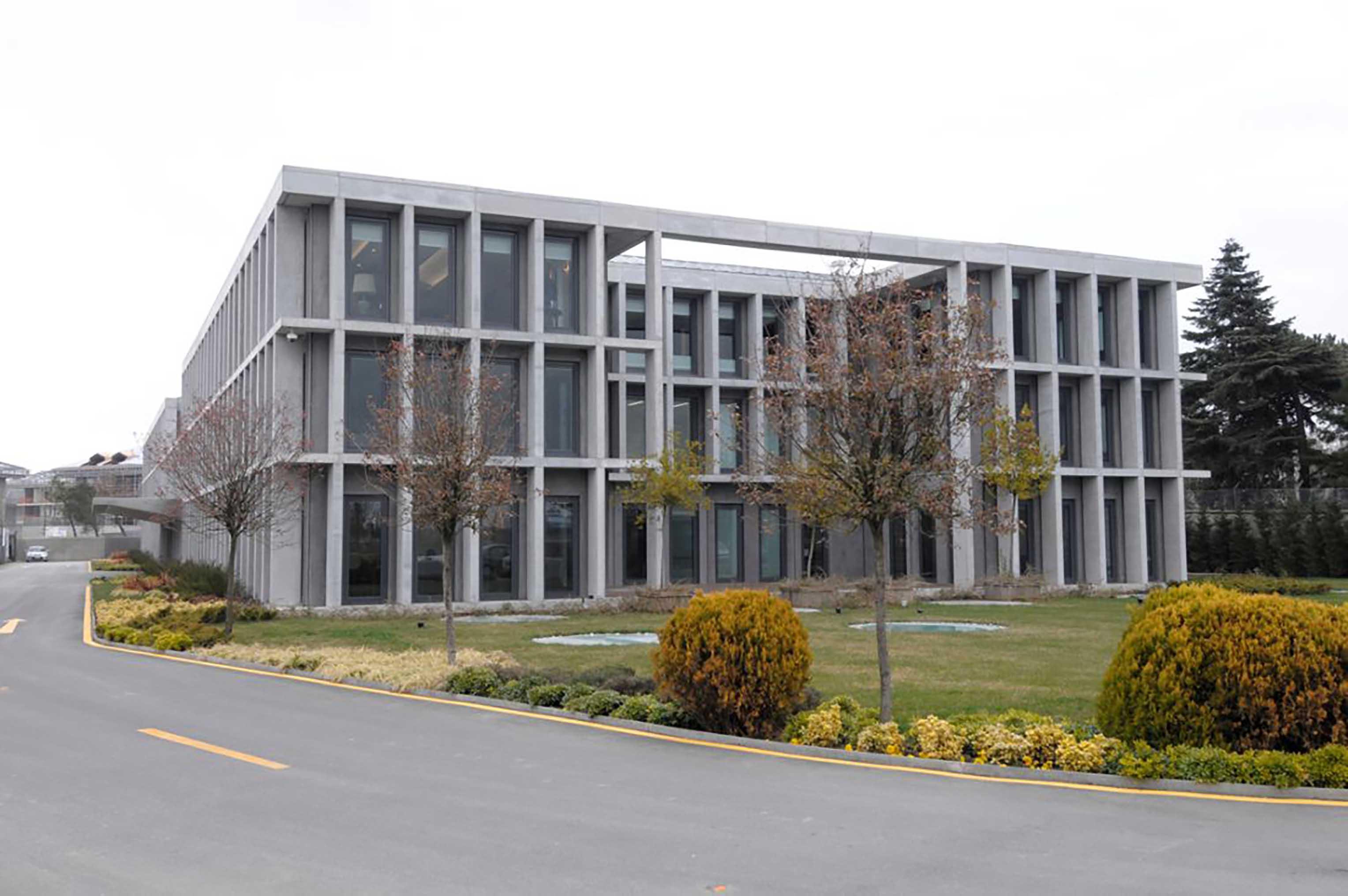 Fibrobeton Dogan Holding Administration Building